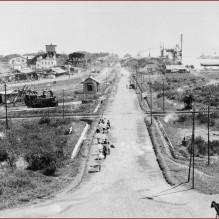 Gezicht over Tandjong Priok, de haven van Batavia